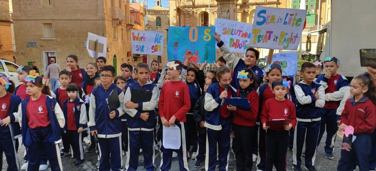 "Awareness Walk against marine litter_Malta ""Zero Waste Beach"" project"